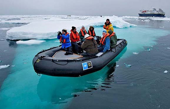 Antarctica-Cruise-of-Lindblad-and-National-Geographic-Expedition